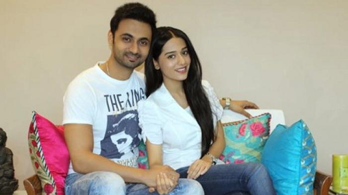 Amrita Rao with Husband_1