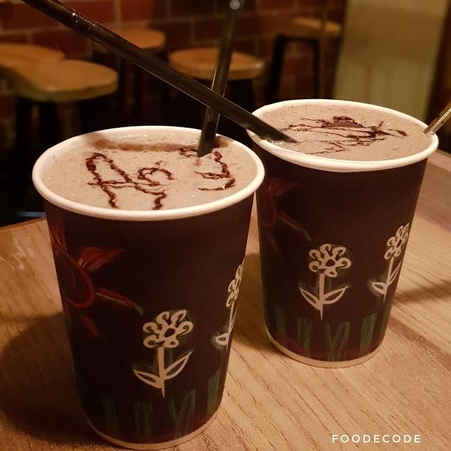 Le Coffee House_1&n