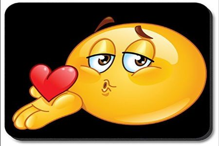 किसिंग: प्रेमाचा आवेग की तंत्र?
