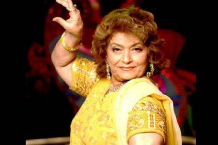 बॉलिवुड को एक और झटका.. नहीं रहीं सरोज खान !!!