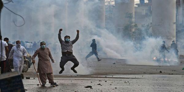 पाकिस्तानची सिविल वॉरच्या दिशेने वाटचाल?