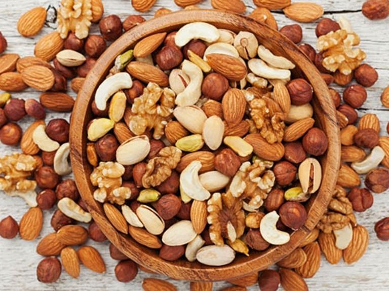 Nuts _1H x W: